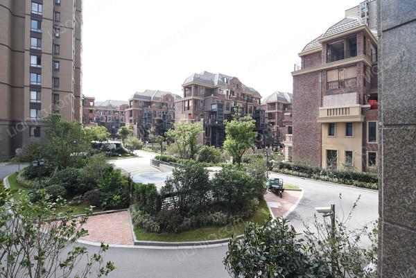 绿地海域苏河源(公寓),装修精美,成熟社区,低楼层