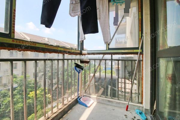 小区名称金鹤新城城杰苑 (嘉定 江桥)   地图 所在地址鹤霞路600弄
