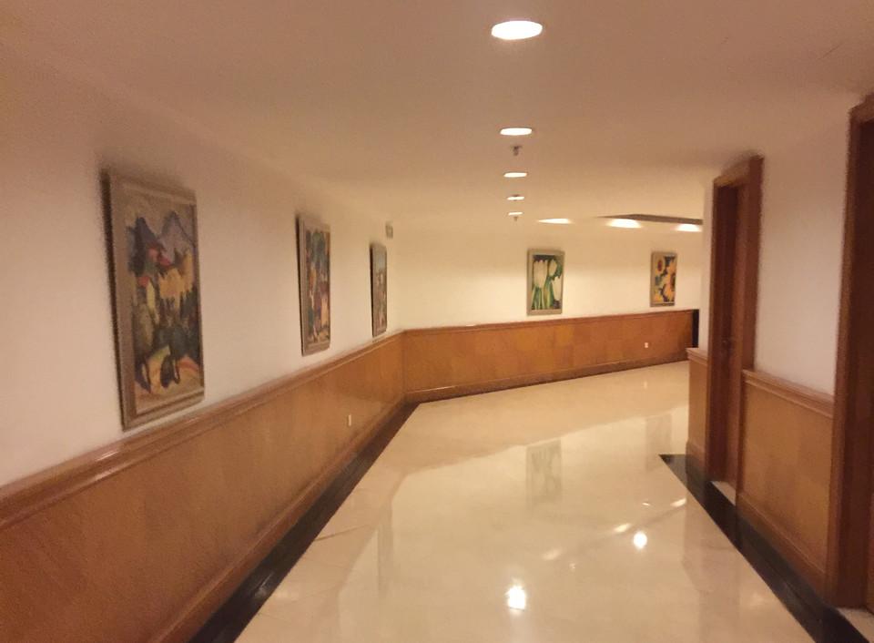 地下长廊.jpg